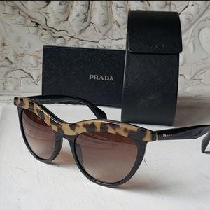 Prada Sunglasses SPR 06P